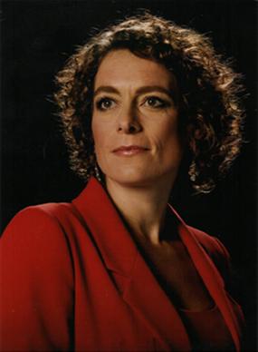 alex-polizzi-portrait